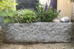 Pflanzgefäß aus Granit